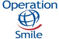 Miembro del equipo de cirujanos voluntarios de la ONG internacional Operation Smile.